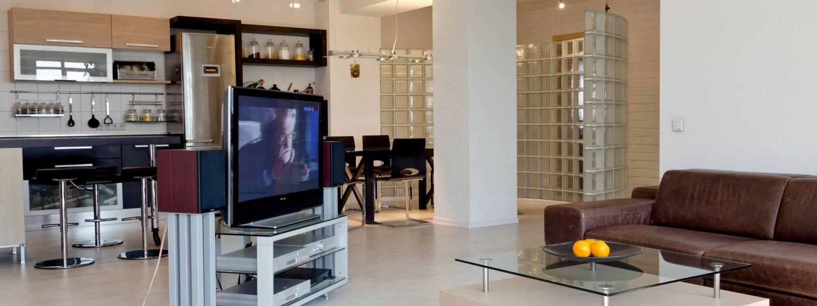 work-Интерьер трехкомнатной квартиры в Барнауле с перепланировкой и реконструкцией